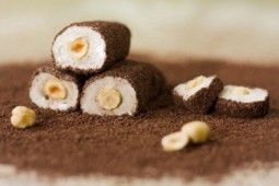 Рахат-лукум рулет с какао и фундуком
